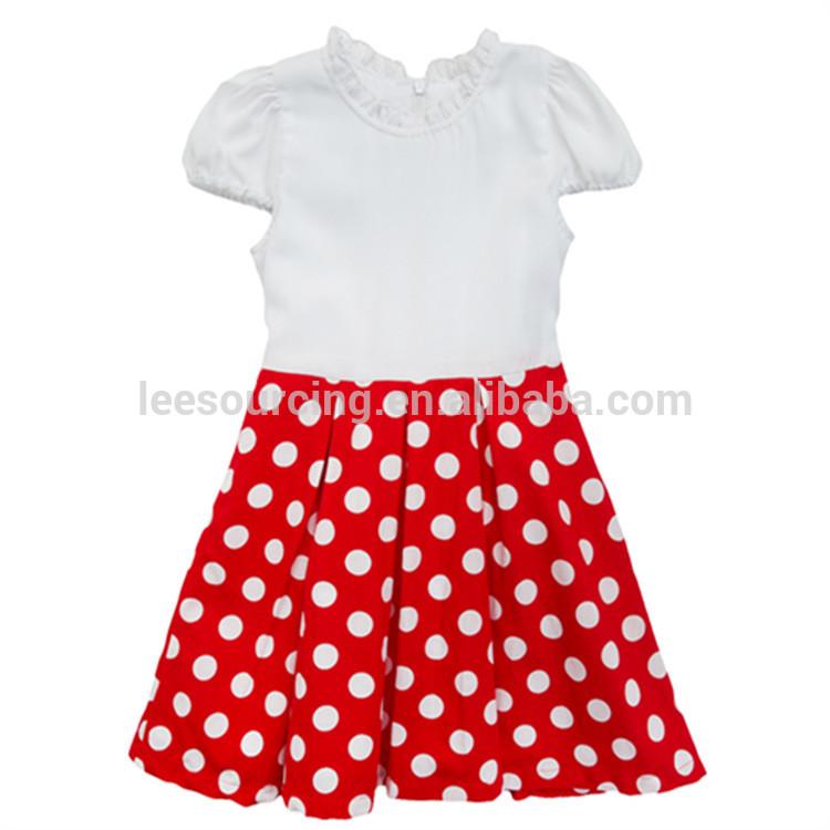93c91fbb6888 Μωρό φορέματα των κοριτσιών σε λευκό κόκκινες κουκίδες τα παιδιά στ .